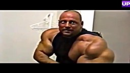 Bodybuilder Drains Synthol Hematoma From Bicep